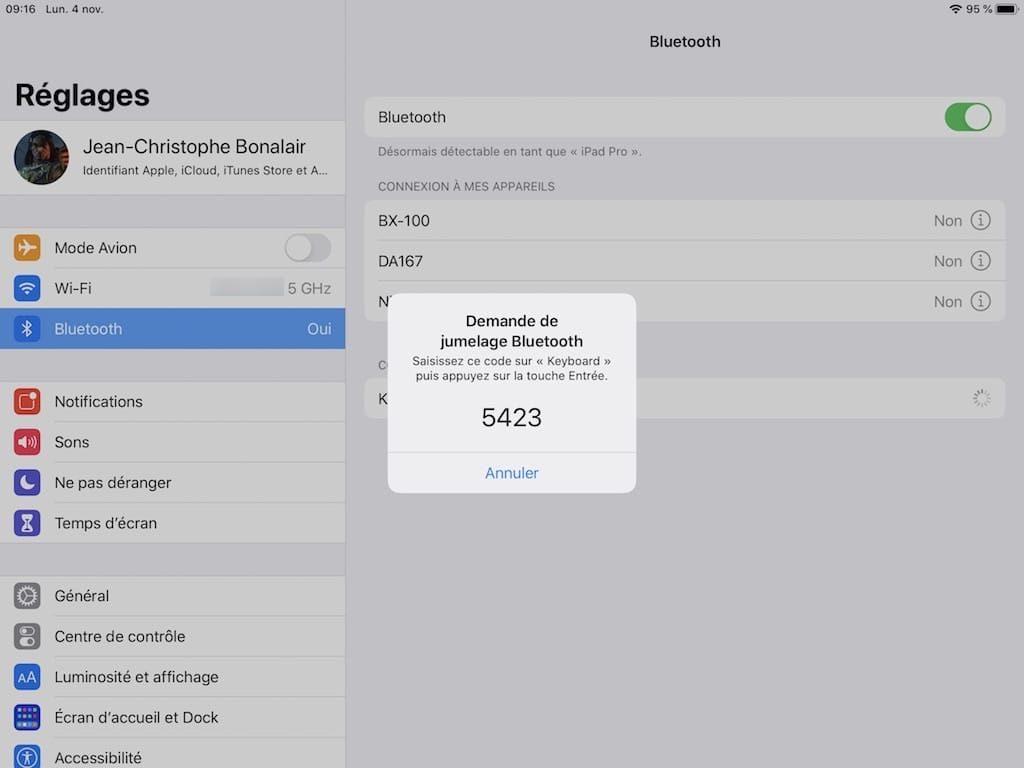 Connecter un clavier a son iPad jumelage bluetooth code