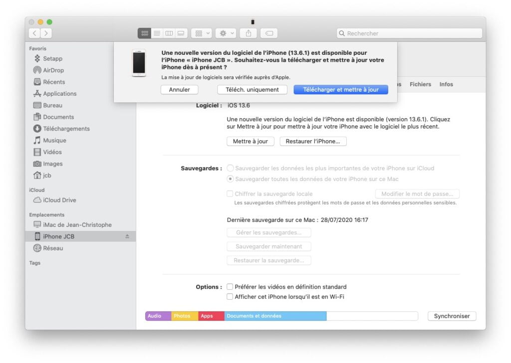 iOS 13.6.1 et iPadOS 13.6.1 mettre a jour avec cable de synchronisation USB