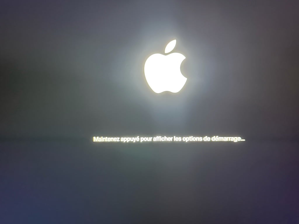 Demarrer son Mac Apple Silicon en mode Recovery maintenez appuyer pour afficher les options de demarrage
